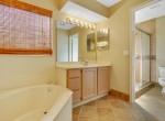 Q_Master EnSuite Bathroom